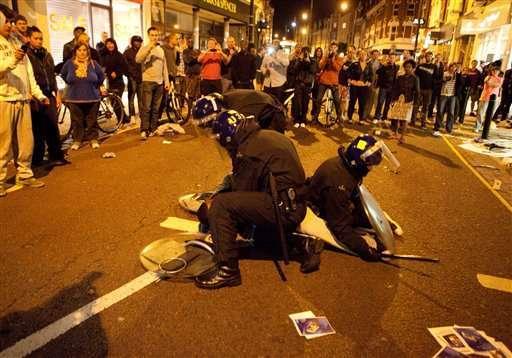 Britain-Riots-Looking at London